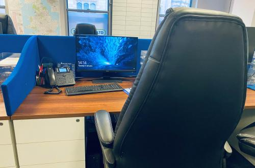 Rent yourself a desk no contract £10.00 per day in Manchester City Centre