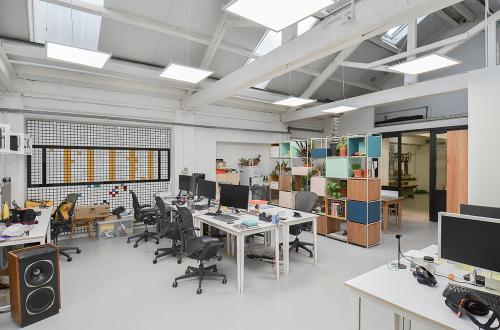 Deskspace in Beautiful Brixton Studio