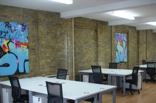 Desks to rent in Studio Shoreditch
