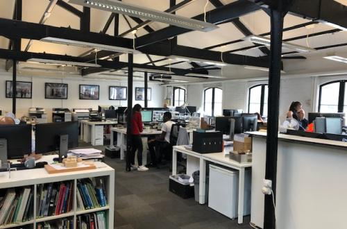 Great Office Desk Space to let in Putney!!! Overlooking the River!