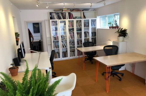 Desk Space in design company in Borough SE1
