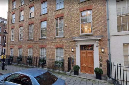 Friendly Mayfair Office located on Old Burlington Street