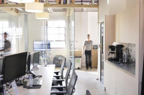 10 desks on Rivington Street in South-facing office £725 pcm