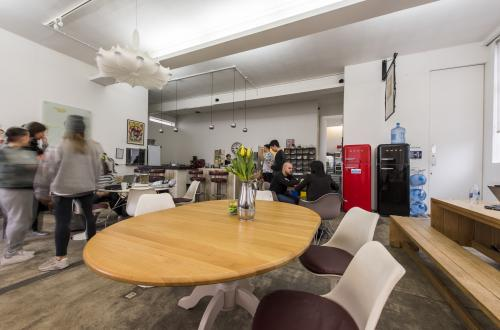 Amazing Warehouse Office minutes from Vauxhall Station!