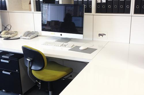 2 large desks available in creative office - short walk from London Bridge - £375 pm