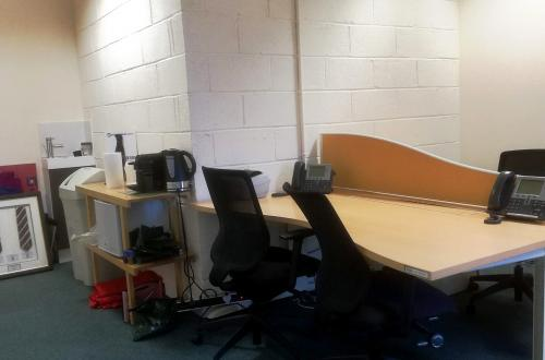 Luxury Edinburgh office with 2 spacious desks ALL INCLUSIVE