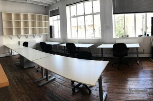 Huge desks in creative, easygoing warehouse studio Farringdon, all inclusive