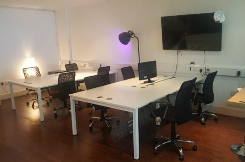 Old Street (5 min walk) - up to 20 desks - private office